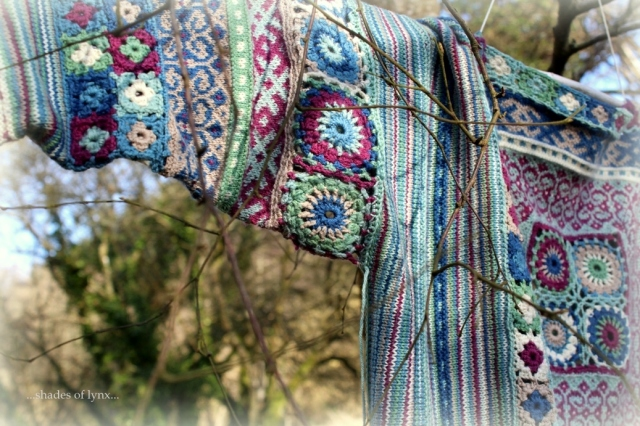 recto-folk-sweater-detail
